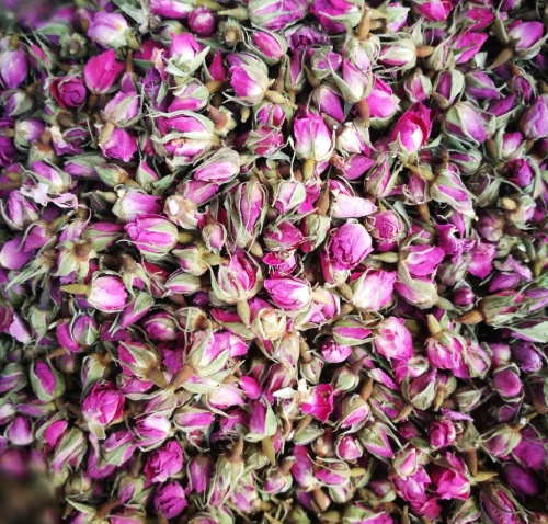 Persian spices rose buds